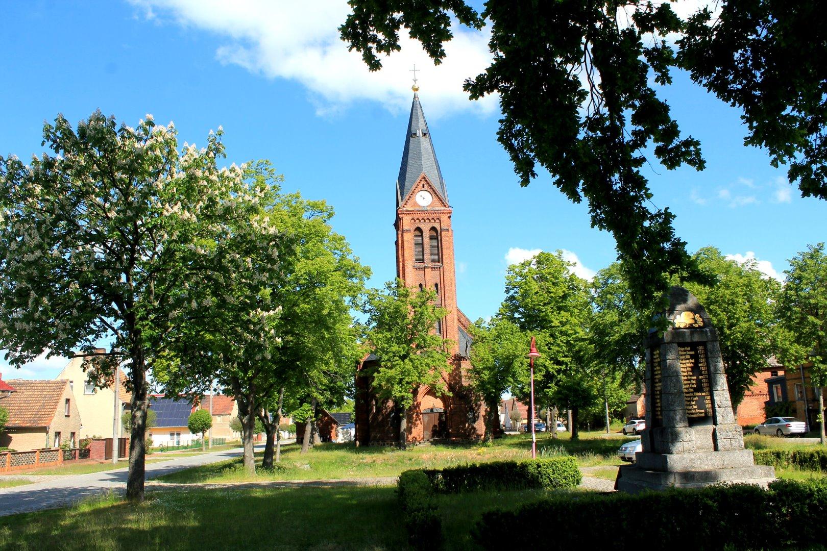 Gr. Naundorf_Kirche