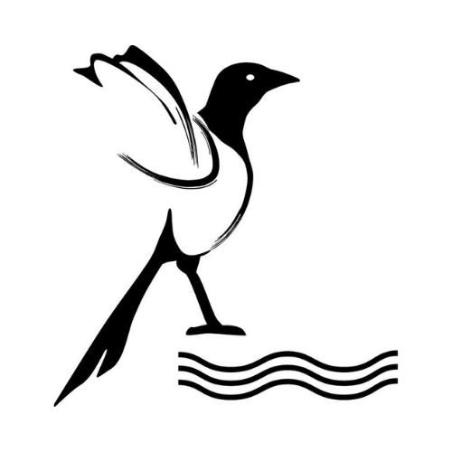 Logo Schwarze Elster Radweg. Eine schwarze Elster mit schwarzen Wellen