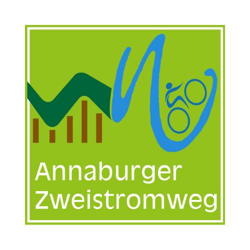 Logo des Annaburger Zweistromweges.Auf grünem Untergrund Symbole der Heide und der Flüsse mit einem Radfahrer