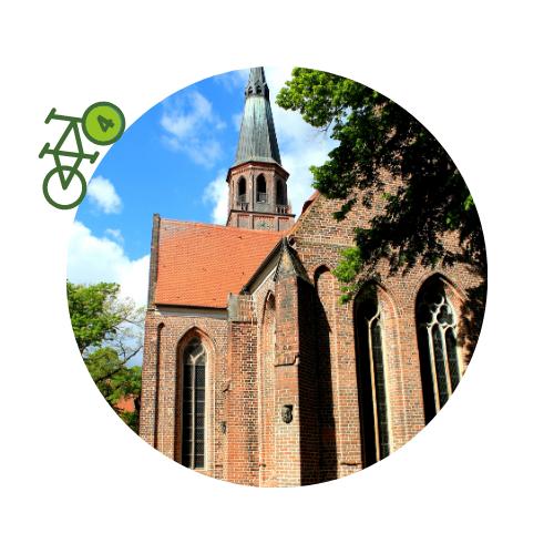 Punkt4 am Zweistromweg Die Stadtkirche von Prettin mit Klinkersteinfasade