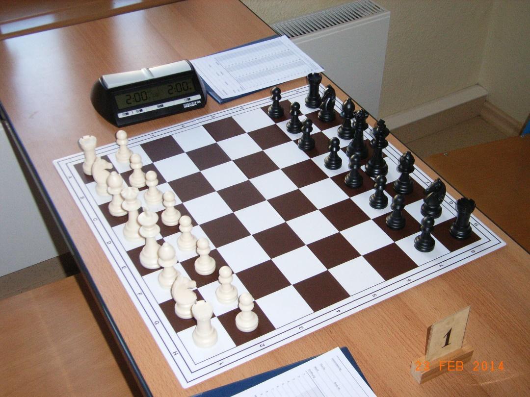 SSC Annaburg Schachbrett Zeitgemäßes Spielmaterial für optimale Spielbedingungent